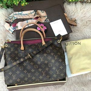 ✅✅Louis Vuitton Pallas MM shoulder / Hobo Bag